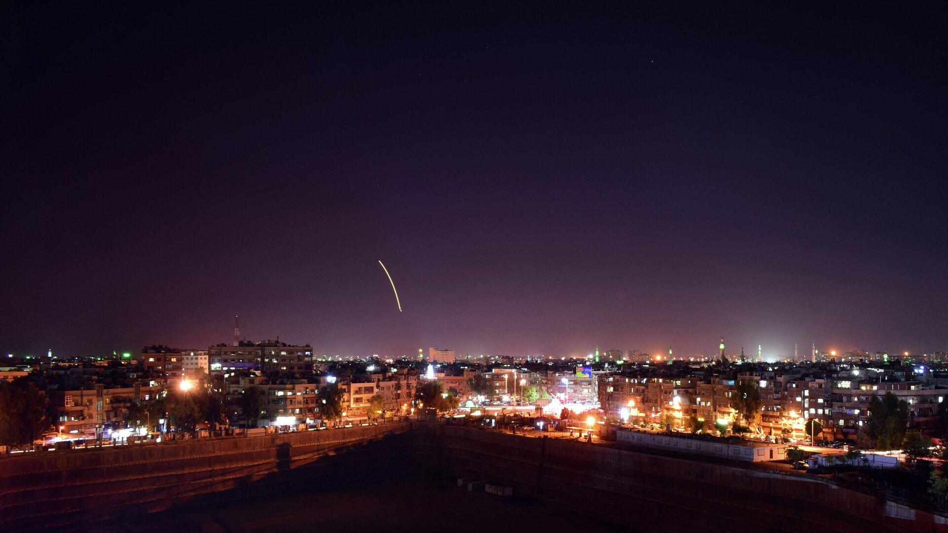 Ataque aéreo sobre Damasco, Siria - Sputnik Mundo, 1920, 03.09.2021