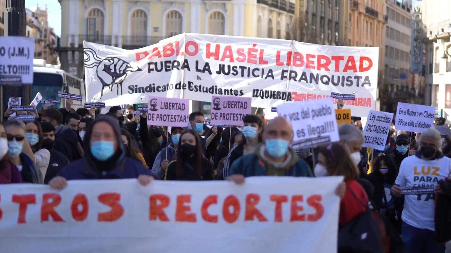 Manifestación en Madrid contra la privatización de la Sanidad y otros recortes sociales - Sputnik Mundo, 1920, 15.02.2021