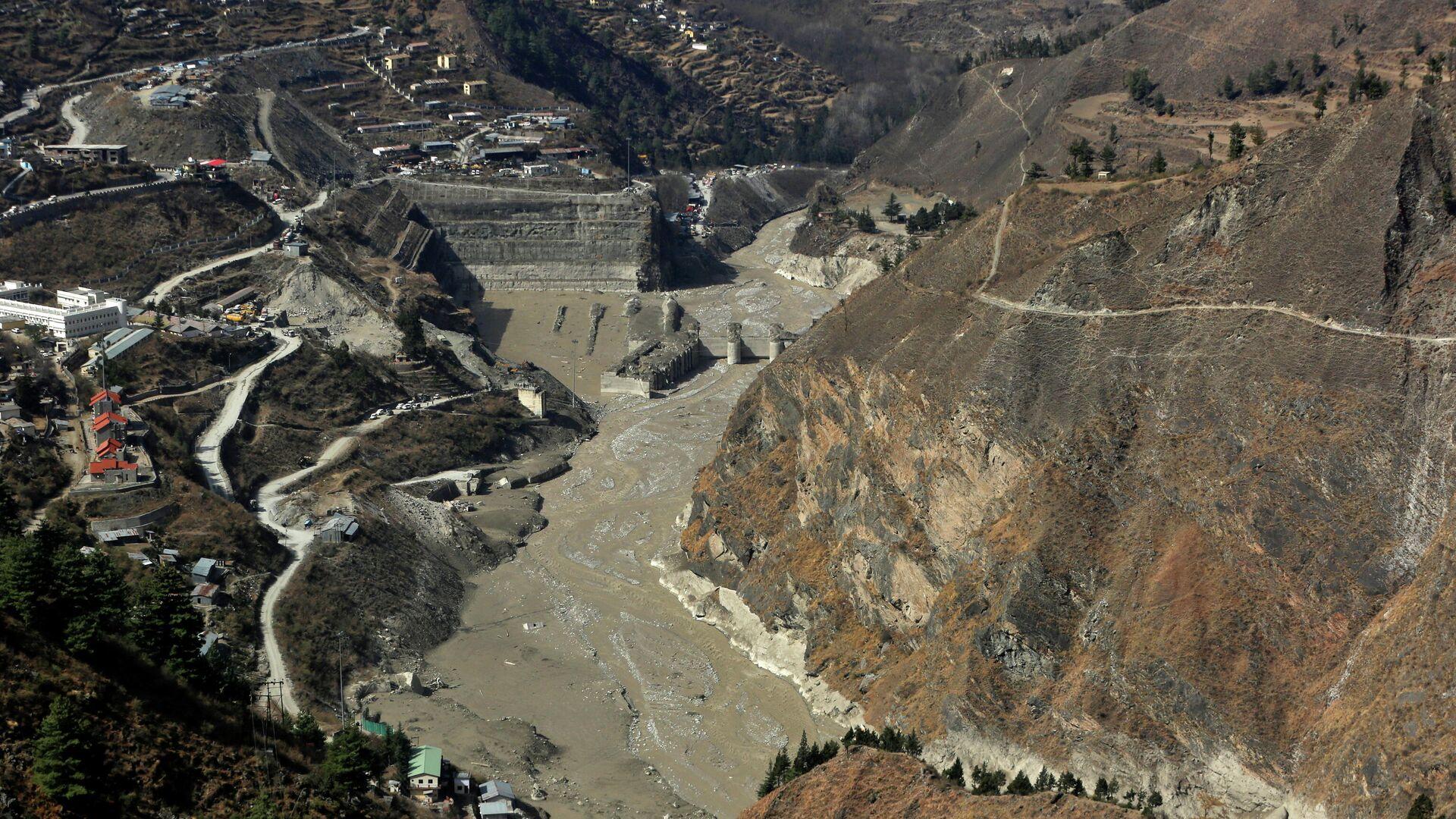 Lugar del desprendimiento de un glaciar en el Himalaya, la India - Sputnik Mundo, 1920, 16.02.2021