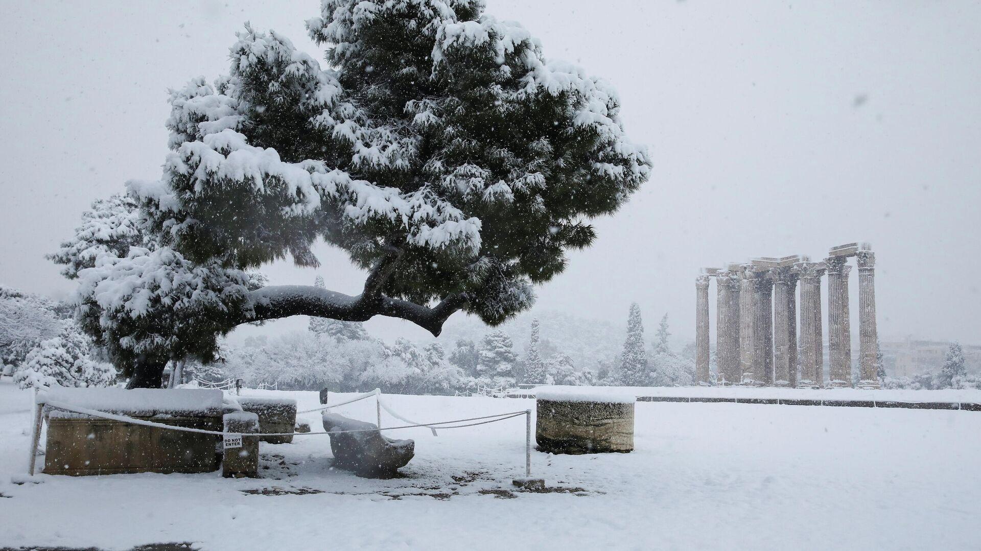 Una fuerte nevada en Atenas - Sputnik Mundo, 1920, 18.02.2021