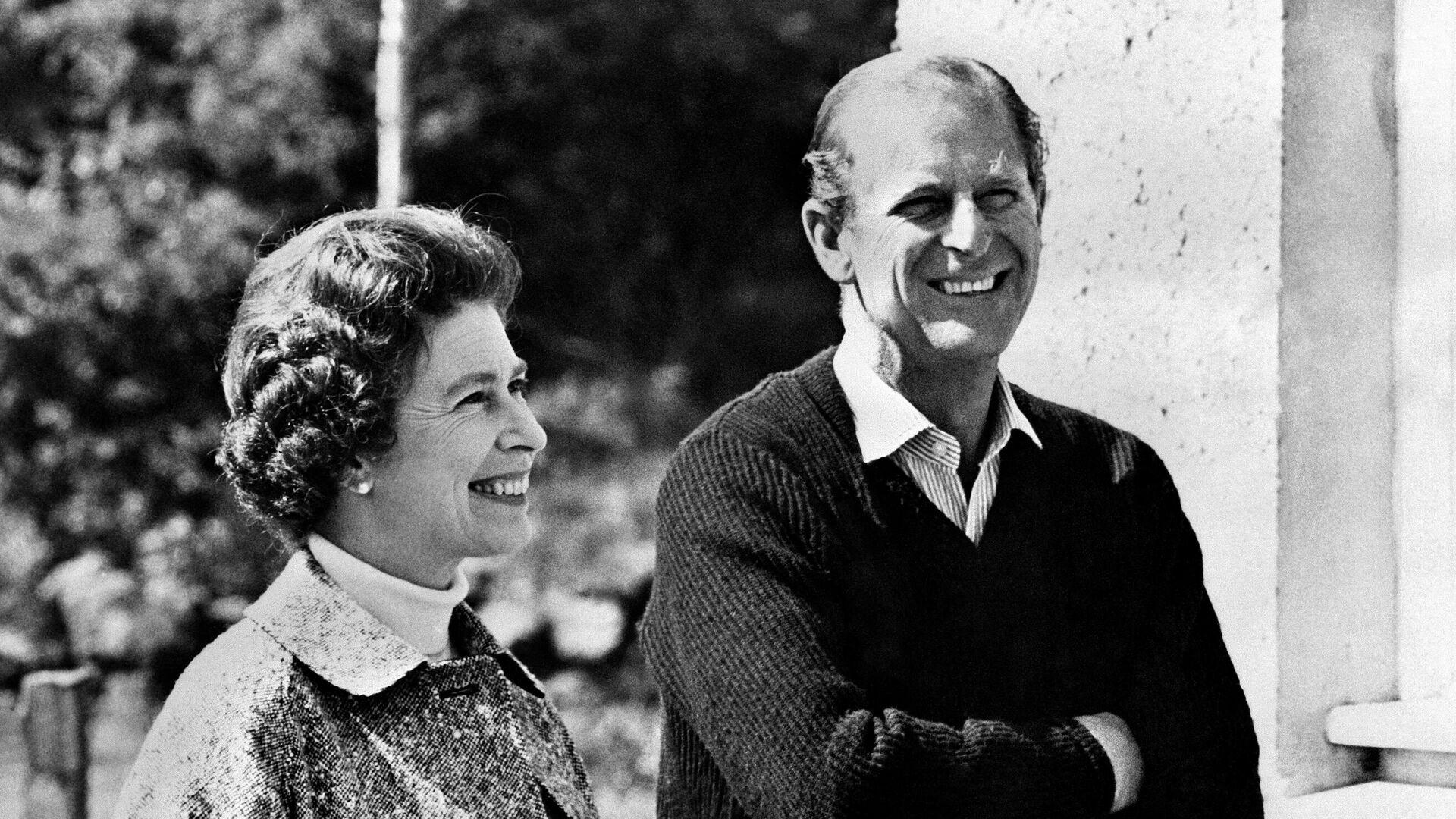 Isabel II y el príncipe Felipe en 1972 - Sputnik Mundo, 1920, 20.02.2021