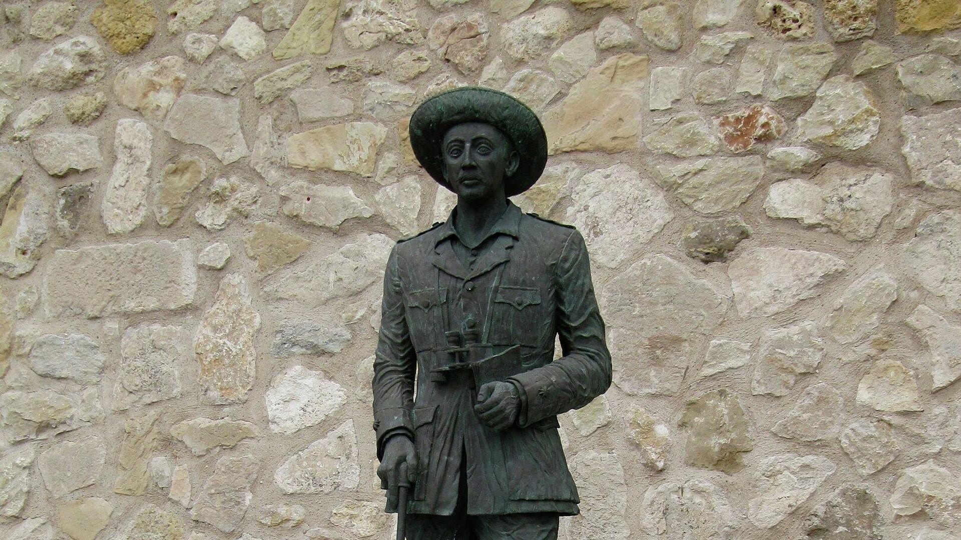 Estatua del comandante de la Legión Francisco Franco Bahamonde en Melilla, España - Sputnik Mundo, 1920, 22.02.2021
