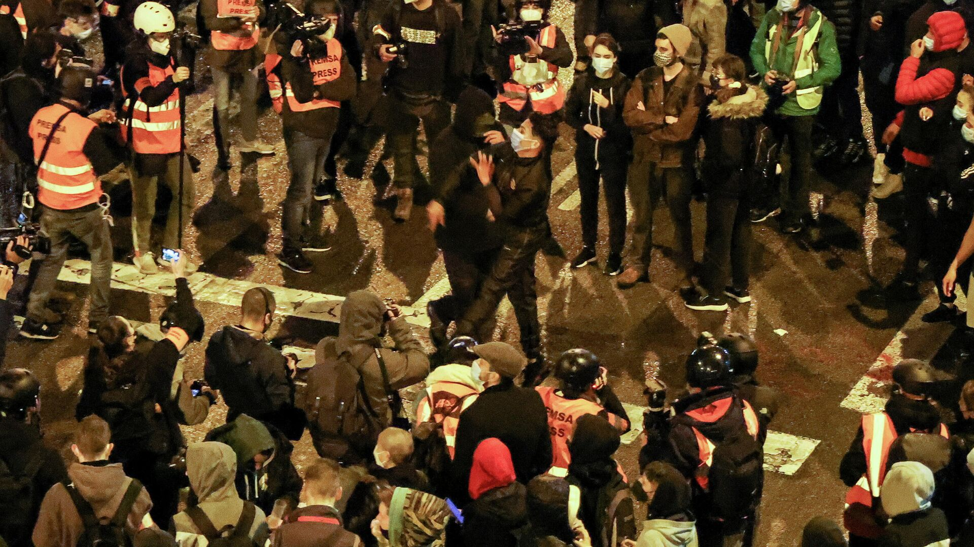 Protestas en Barcelona, España - Sputnik Mundo, 1920, 22.02.2021