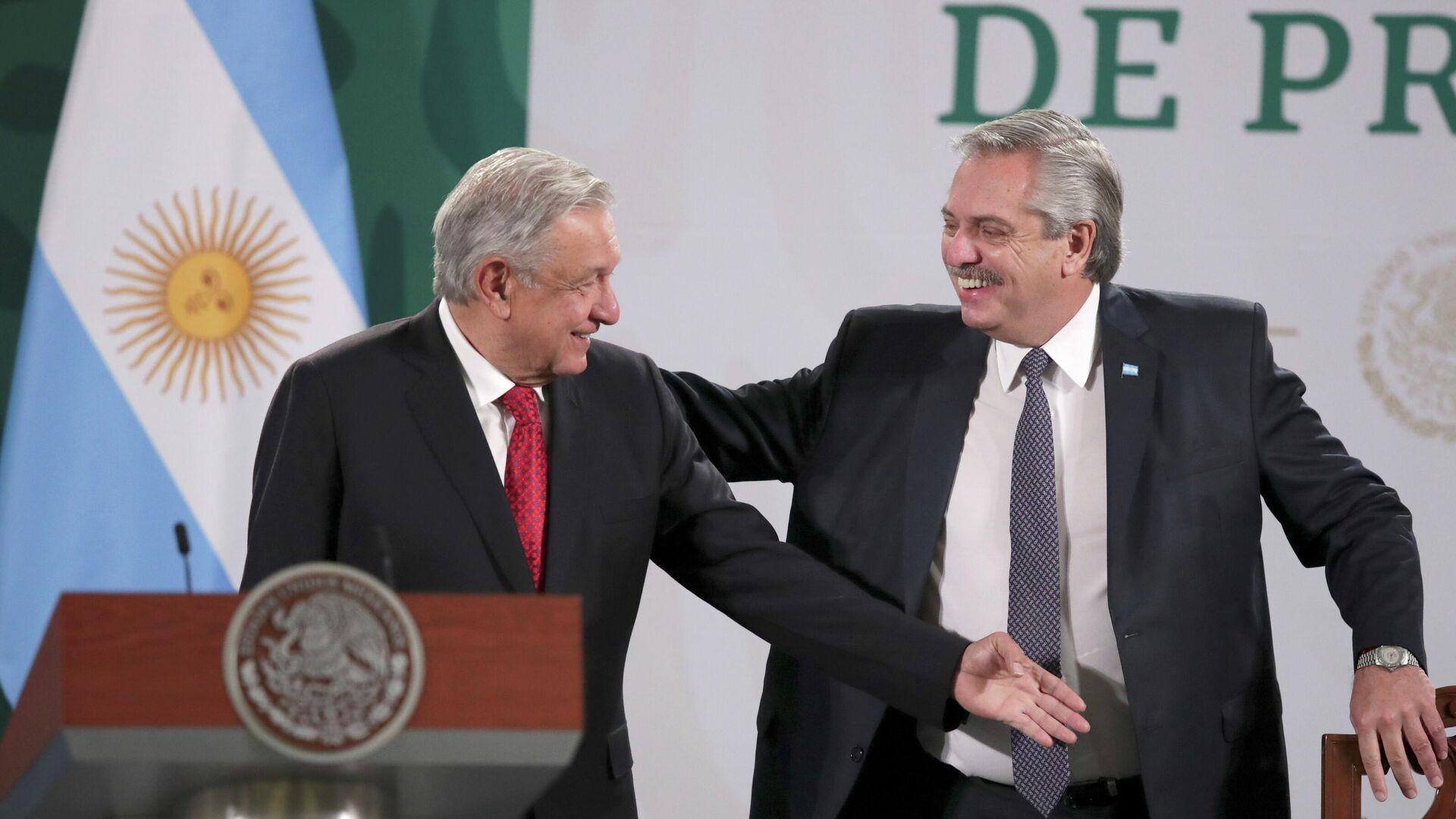 El presidente mexicano, Andrés Manuel López Obrador, y su homólogo argentino, Alberto Fernández - Sputnik Mundo, 1920, 23.02.2021