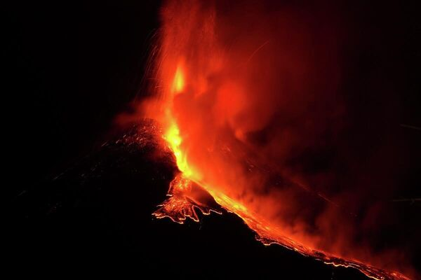 Erupción del Etna - Sputnik Mundo