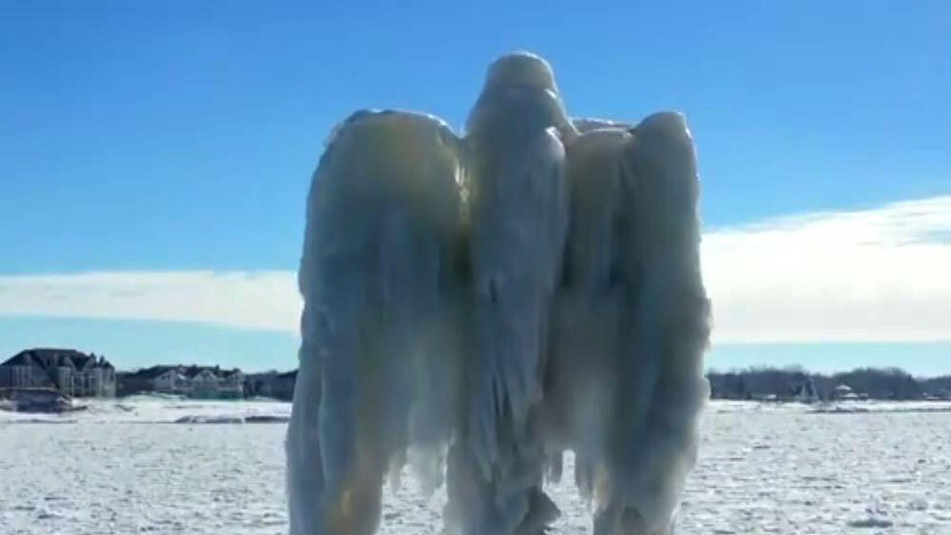 Un misterioso 'ángel' surge a orillas del lago Michigan - Sputnik Mundo, 1920, 27.02.2021
