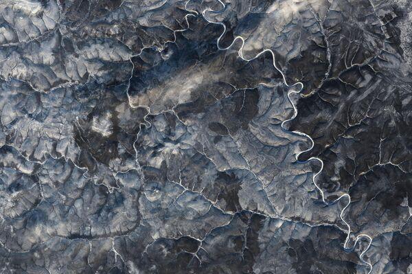 Una imágen satelital de meseta norte de Siberia central en octubre - Sputnik Mundo