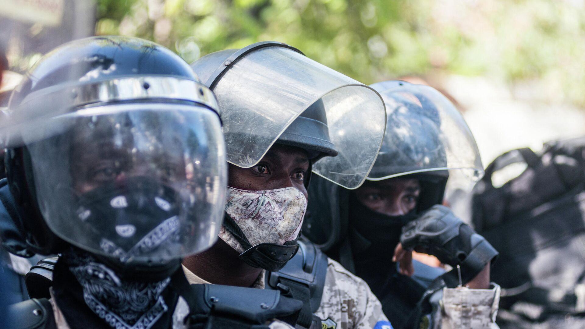 La Policía durante las protestas en Haití - Sputnik Mundo, 1920, 16.03.2021