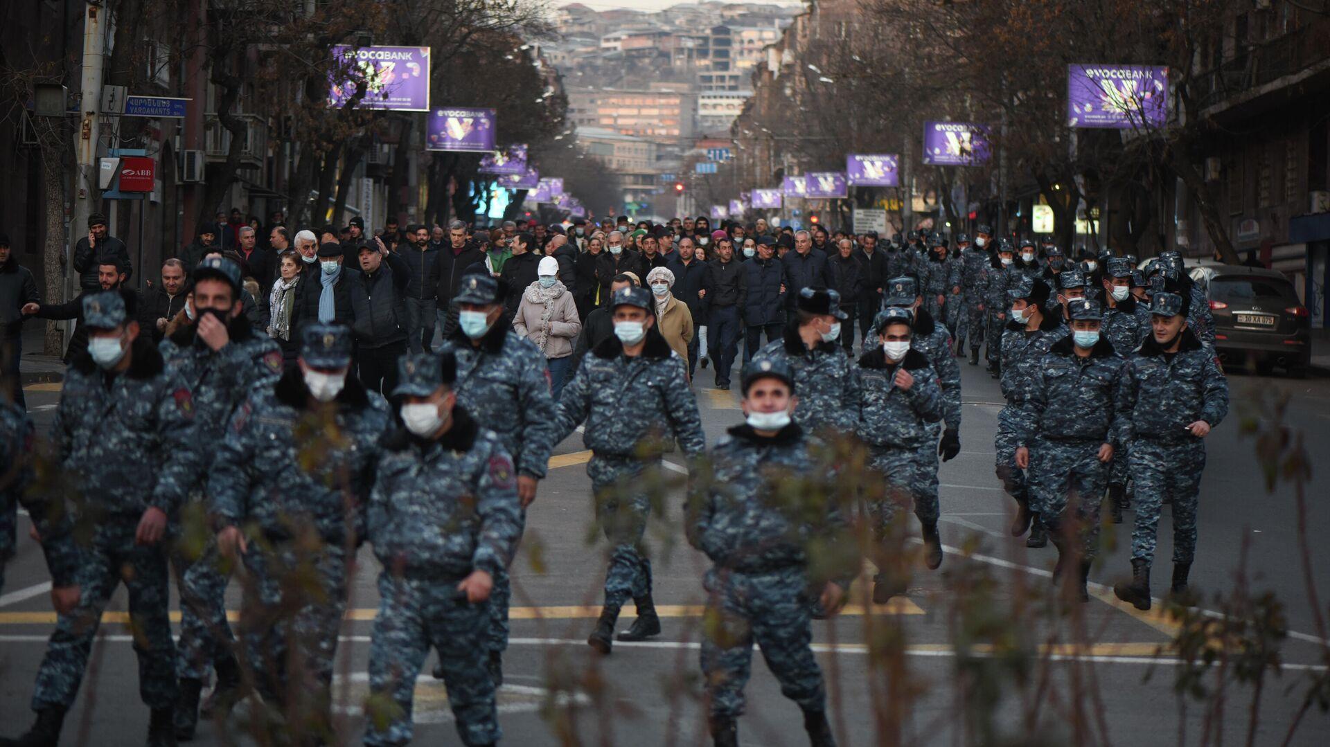 Protestas en Ereván, Armenia - Sputnik Mundo, 1920, 04.03.2021