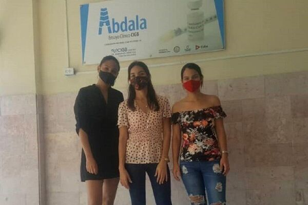 Participantes en los ensayos clínicos en Santiago de Cuba del candidato vacunal Abdala, desarrollado por el CIGB - Sputnik Mundo