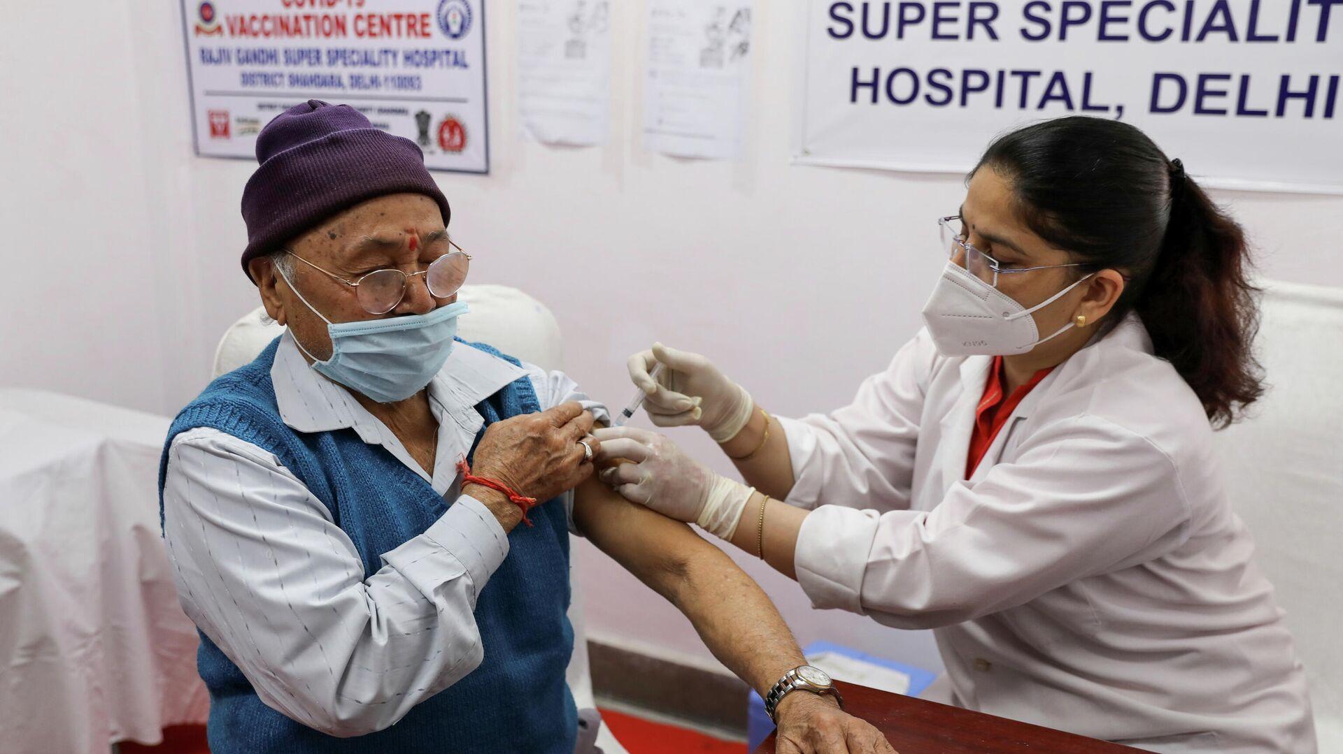 Vacunación en Nueva Delhi, la India - Sputnik Mundo, 1920, 05.03.2021