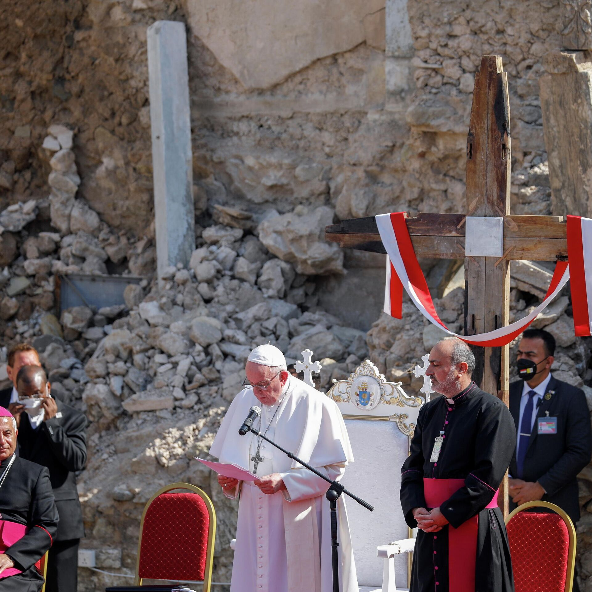 El papa Francisco se reúne con líderes del Kurdistán iraquí en Erbil y se  traslada a Mosul - 07.03.2021, Sputnik Mundo