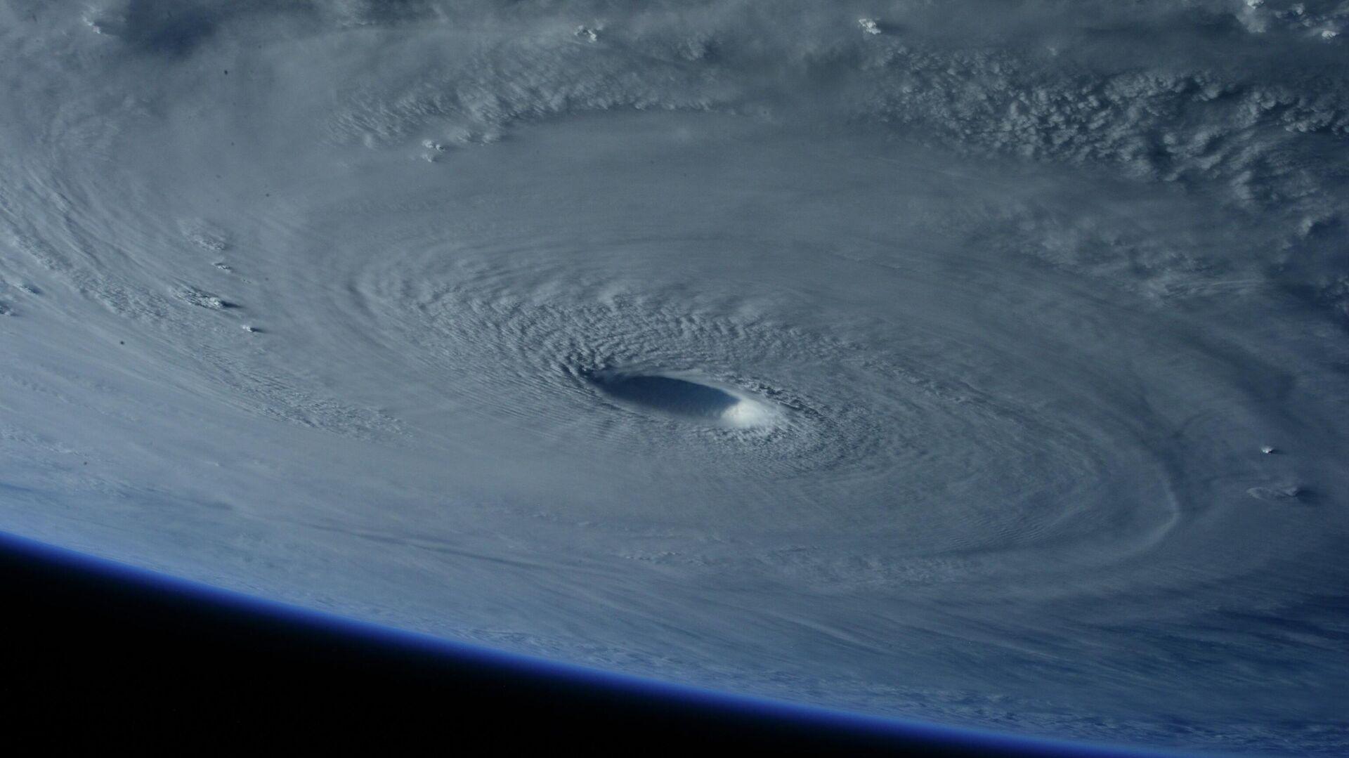 Un huracán visto del espacio (imagen referencial) - Sputnik Mundo, 1920, 16.07.2021