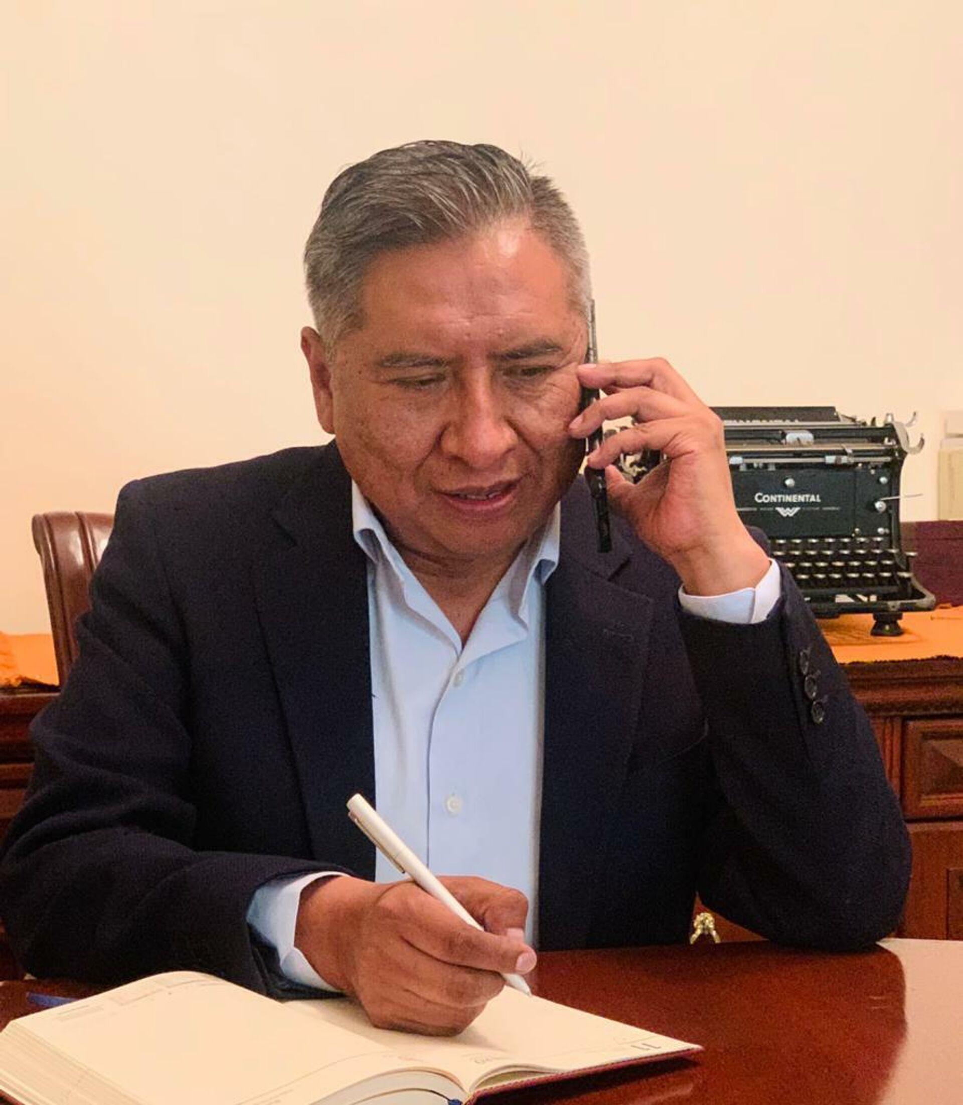 El canciller boliviano, Rogelio Mayta, durante la entrevista con Sputnik - Sputnik Mundo, 1920, 08.03.2021