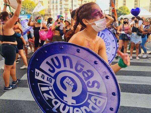 Juntas y a la Izquierda es una agrupación feminista del Movimiento Socialista de los Trabajadores, integrante del Frente de Izquierda y de Trabajadores–Unidad (FITU) - Sputnik Mundo