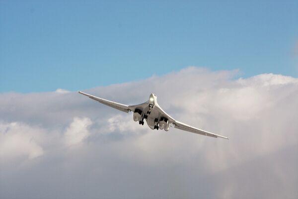 El Tu-160M modernizado - Sputnik Mundo