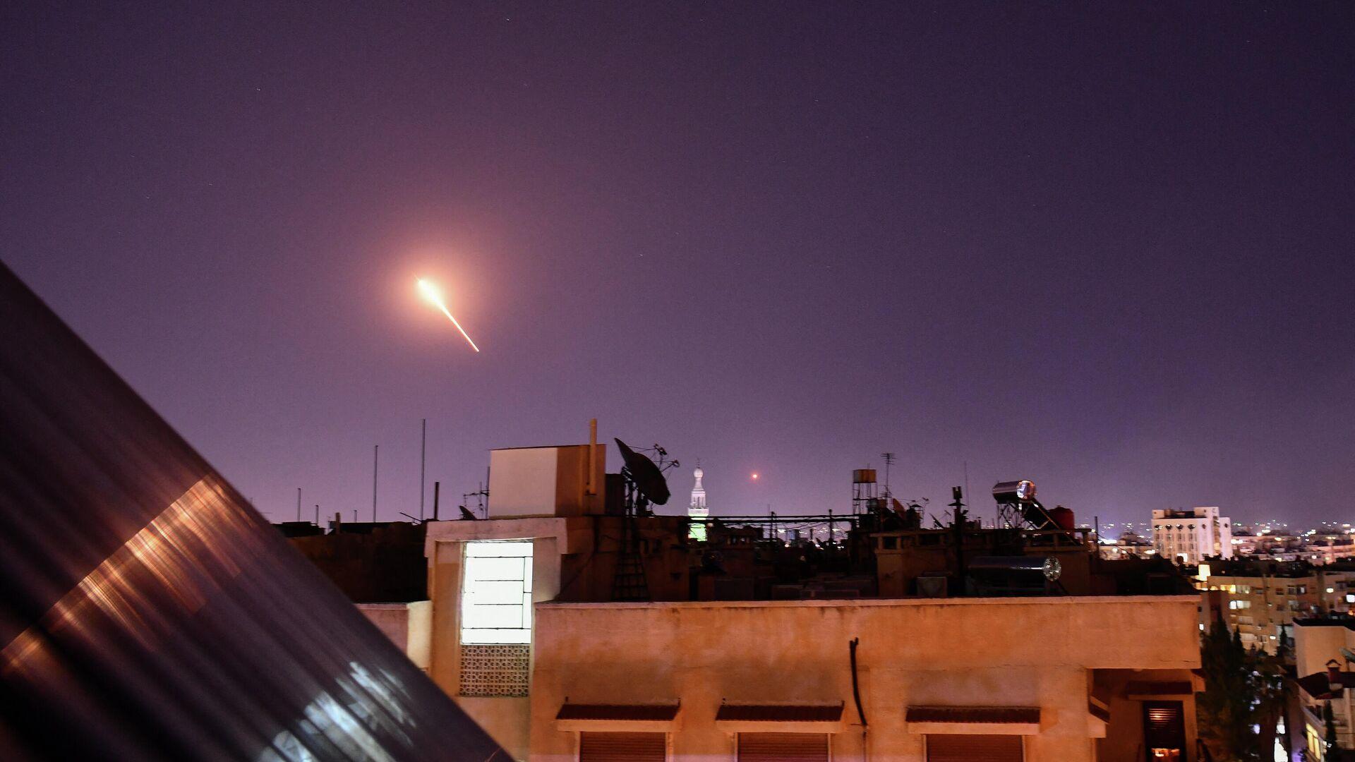 Ataque con misiles sobre Damasco, Siria - Sputnik Mundo, 1920, 16.03.2021