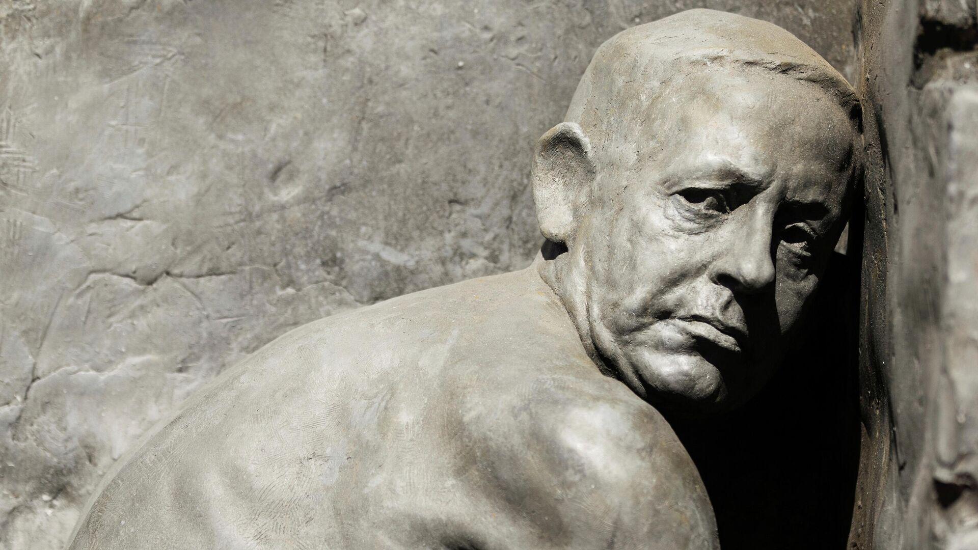 La estatua de Netanyahu haciendo sus necesidades en Tel Aviv - Sputnik Mundo, 1920, 17.03.2021