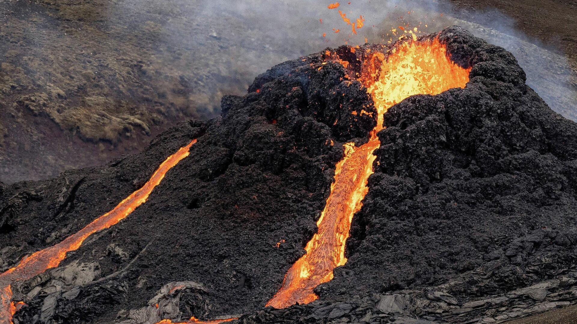 La erupción del volcán Fagradalsfjall en Islandia - Sputnik Mundo, 1920, 21.03.2021