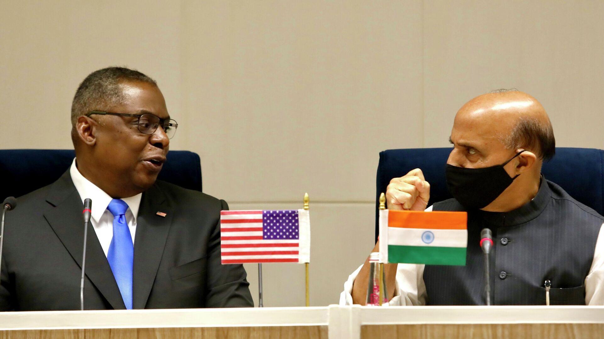 El secretario de Defensa de EEUU, Lloyd Austin, junto a su homólogo indio, Rajnath Singh - Sputnik Mundo, 1920, 21.03.2021