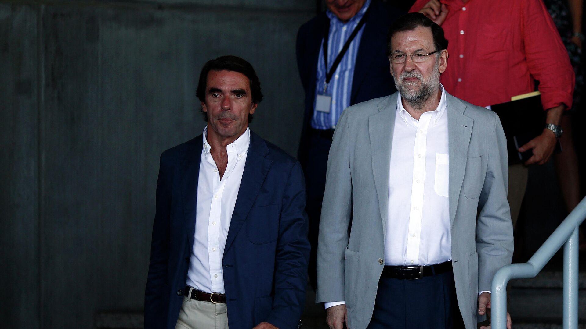 Los expresidentes del Gobierno español José María Aznar y Mariano Rajoy - Sputnik Mundo, 1920, 23.03.2021