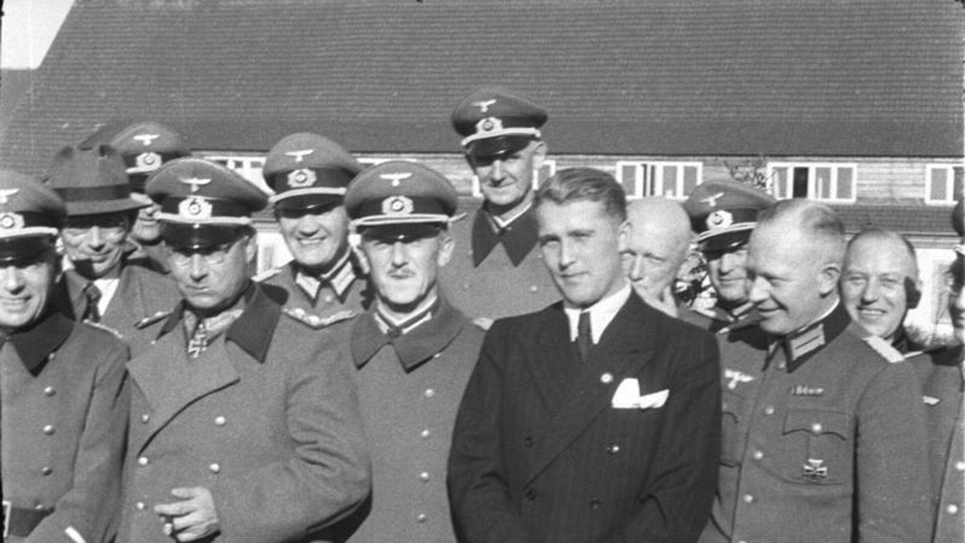 Wernher von Braun y militares nazis - Sputnik Mundo, 1920, 23.03.2021