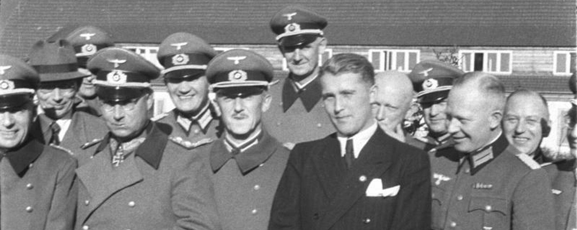 Wernher von Braun y militares nazis - Sputnik Mundo, 1920, 28.05.2021