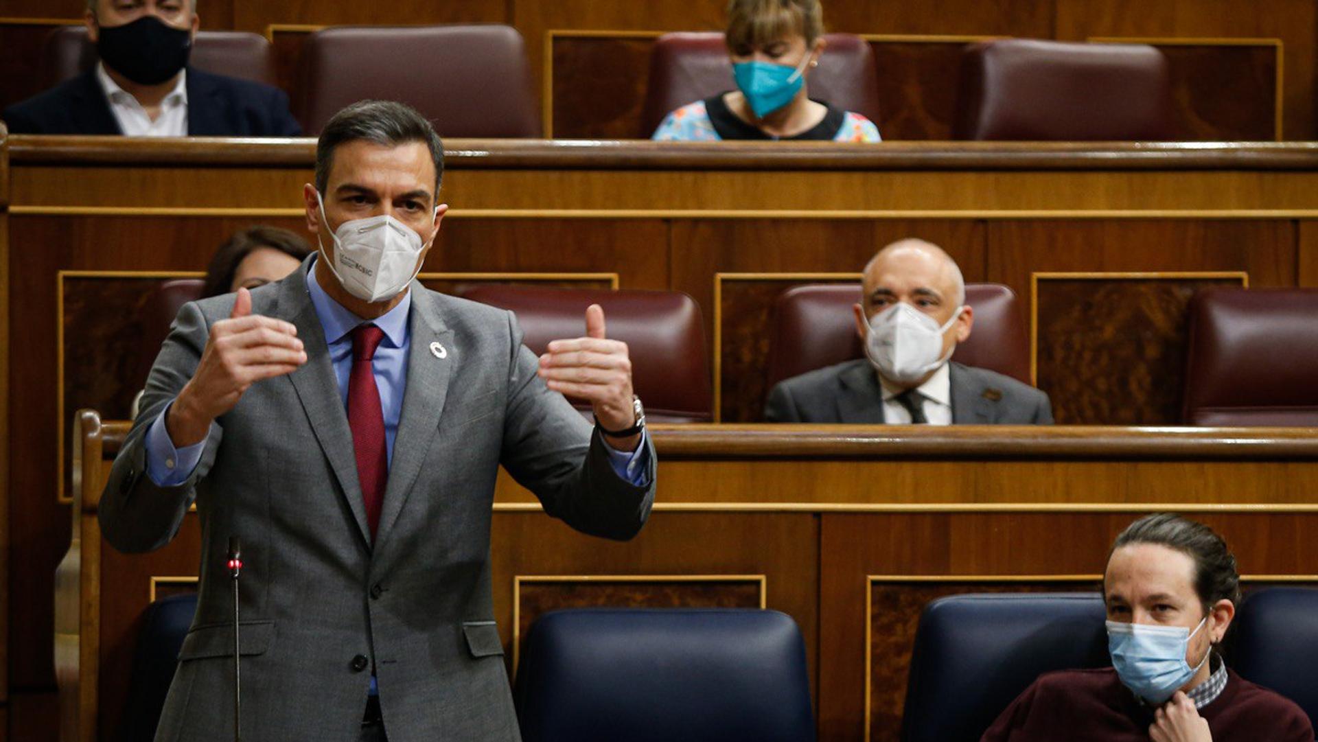 El presidente del Gobierno, Pedro Sánchez, responde a los grupos parlamentarios en la Sesión de Control del Gobierno - Sputnik Mundo, 1920, 24.03.2021