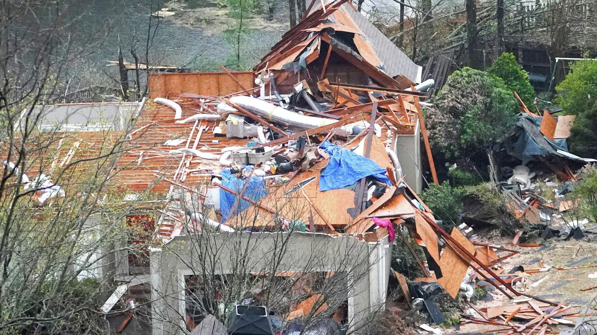 Las consecuencias de tornados en Alabama, EEUU - Sputnik Mundo, 1920, 26.03.2021
