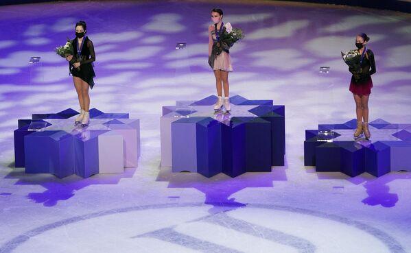 En un resultado histórico, tres patinadoras rusas se alzaron con el oro, la plata y el bronce en la categoría individual femenina.  - Sputnik Mundo