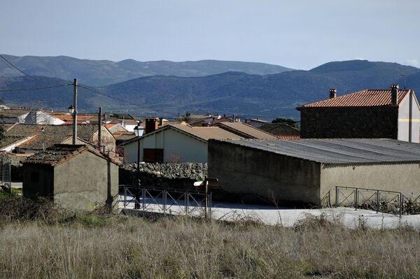 Imagen de Santa María del Berrocal, en Ávila, donde se han realojado varias familias - Sputnik Mundo