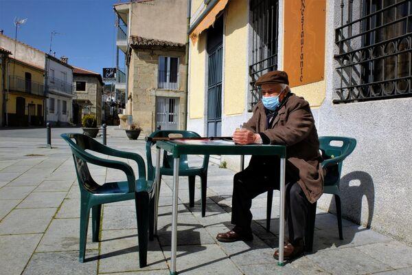 Cirilo Sánchez, vecino de Santa María de Berrocal de 88 años - Sputnik Mundo