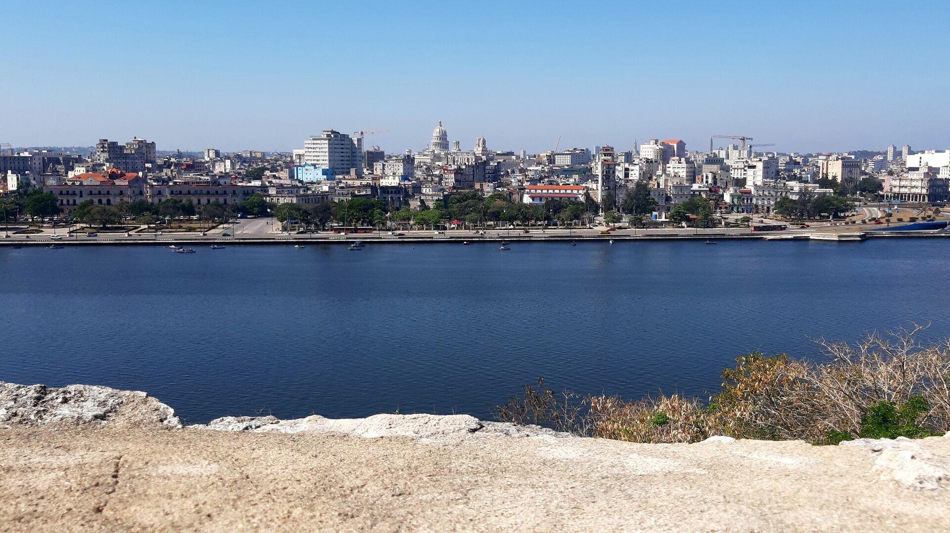 Vista de La Habana desde las fortalezas coloniales - Sputnik Mundo, 1920, 29.03.2021