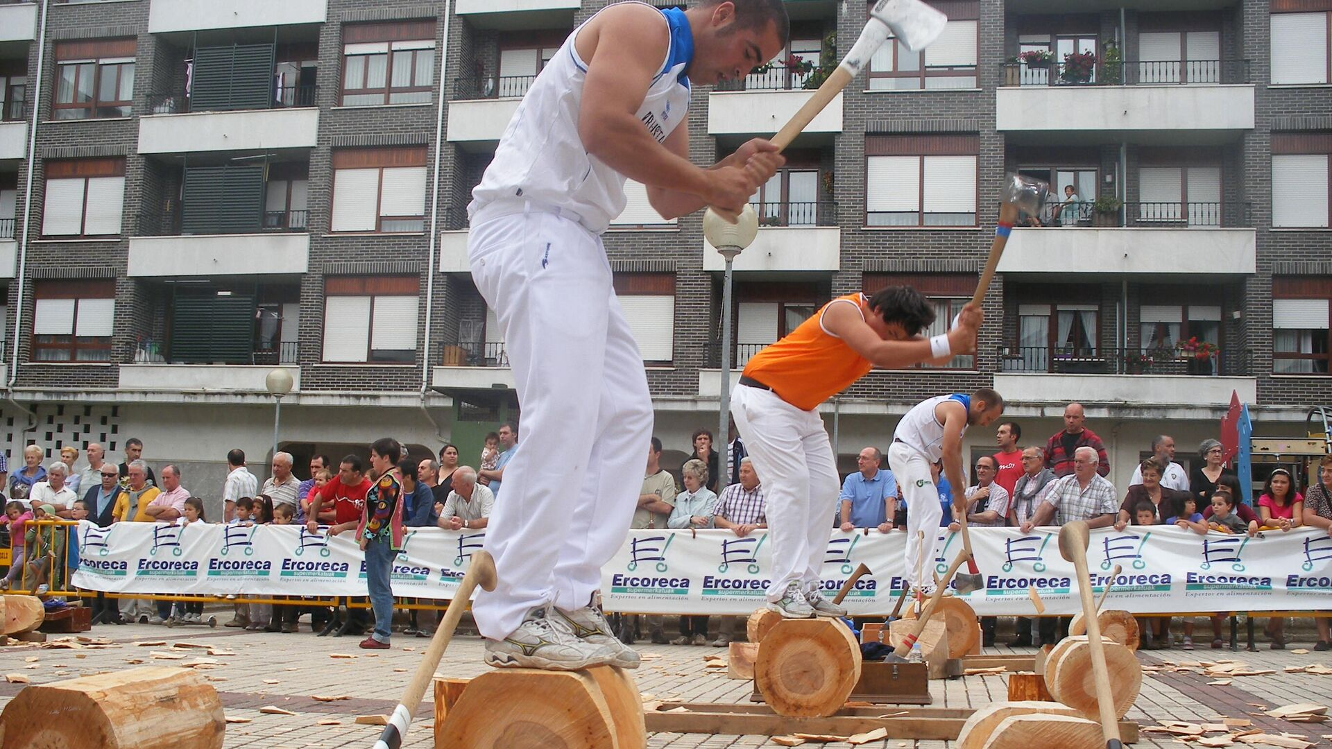 'Aizkolari' en una competición de cortar madera en el País Vasco - Sputnik Mundo, 1920, 03.04.2021