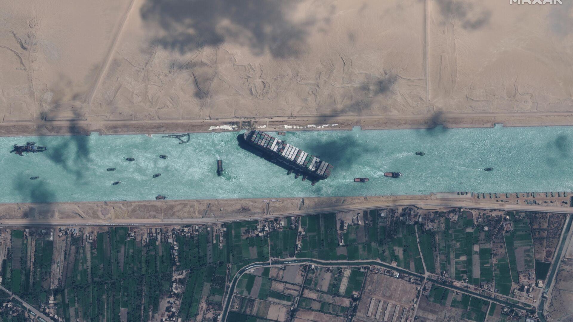 El supercarguero Ever Given en el canal de Suez - Sputnik Mundo, 1920, 02.04.2021