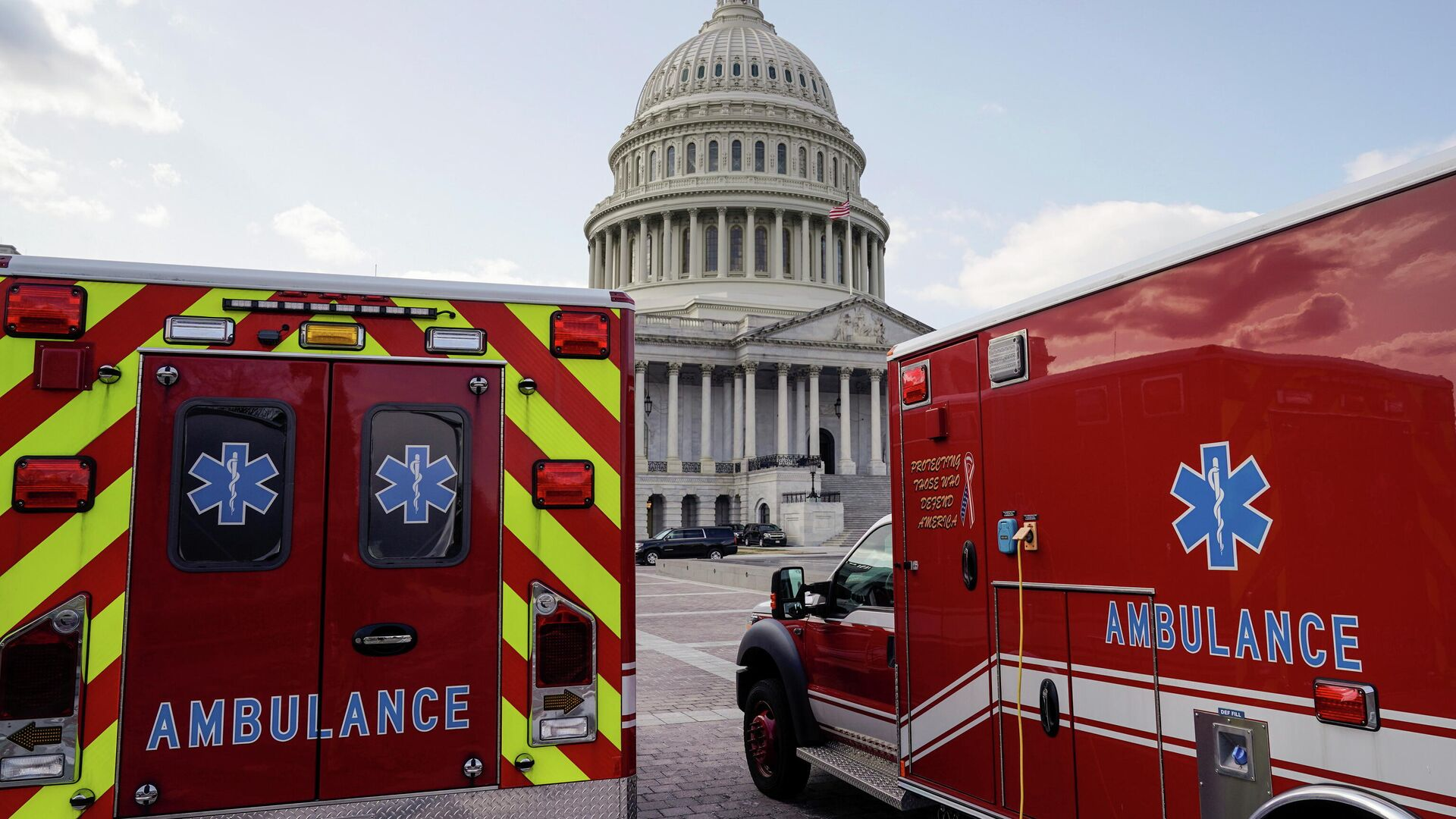 Ambulancias en Capitol Hill, Washington - Sputnik Mundo, 1920, 31.03.2021