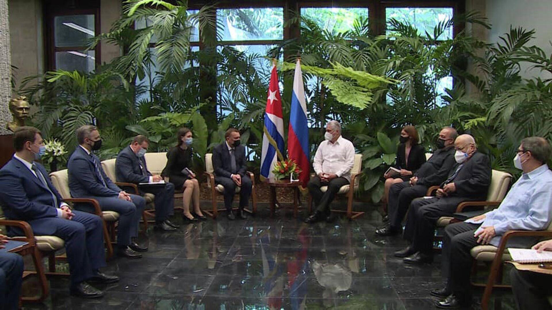 El presidente cubano Miguel Díaz-Canel recibió al vice primer ministro ruso Yuri Borísov - Sputnik Mundo, 1920, 01.04.2021