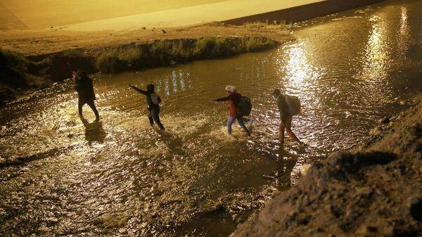 Migrantes de Centroamérica en la frontera con EEUU - Sputnik Mundo