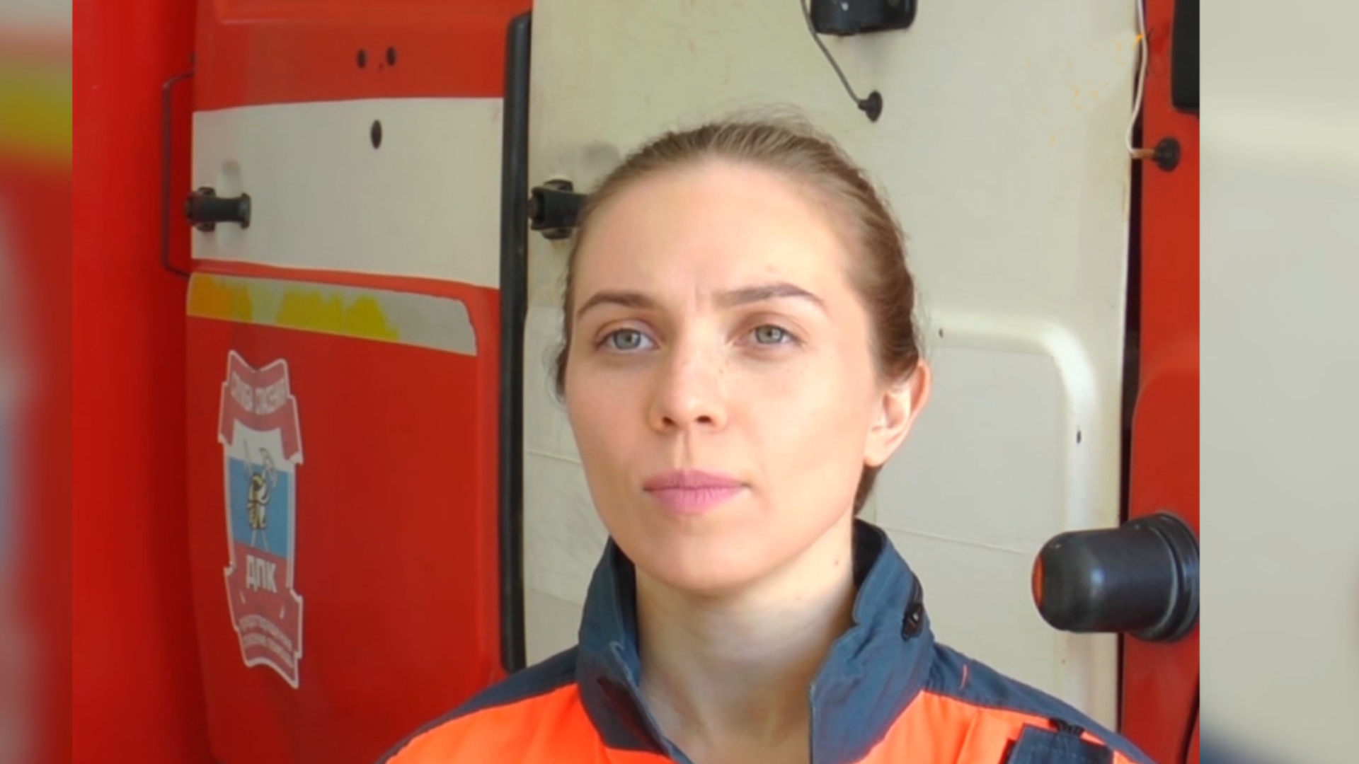 Elena Dimitriu: conductora de un camión de bomberos - Sputnik Mundo, 1920, 03.04.2021