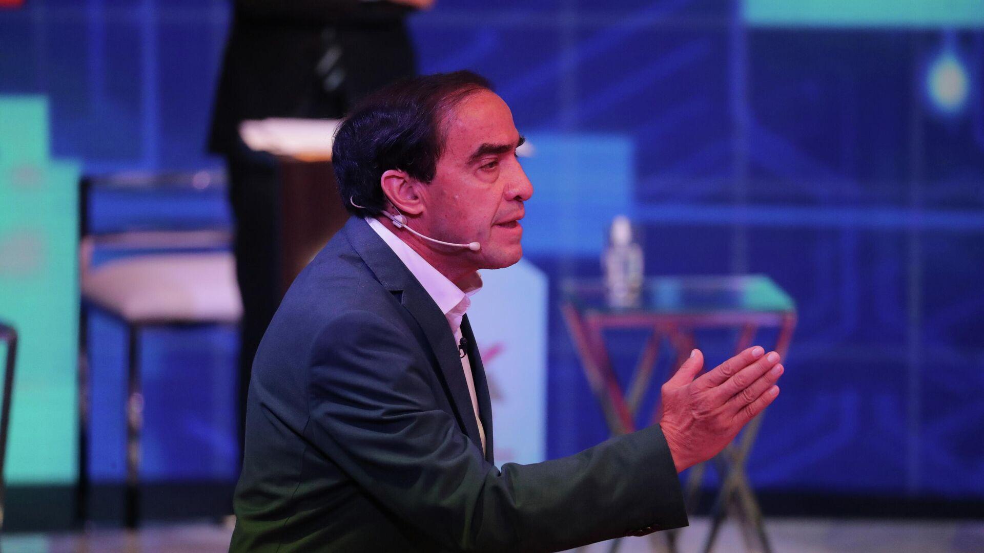El candidato presidencial peruano Yonhy Lescano en un debate presidencial en Lima - Sputnik Mundo, 1920, 05.04.2021