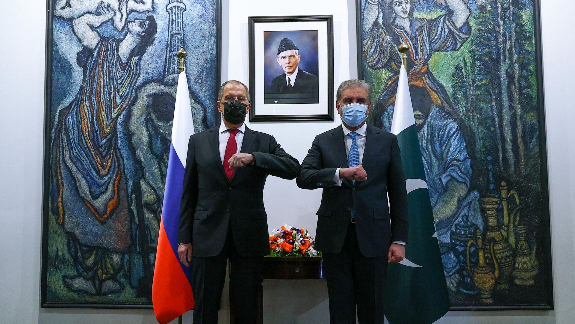 Canciller ruso, Serguéi Lavrov, y ministro de Exteriores de Pakistán, Shah Mahmoud Qureshi - Sputnik Mundo, 1920, 08.04.2021