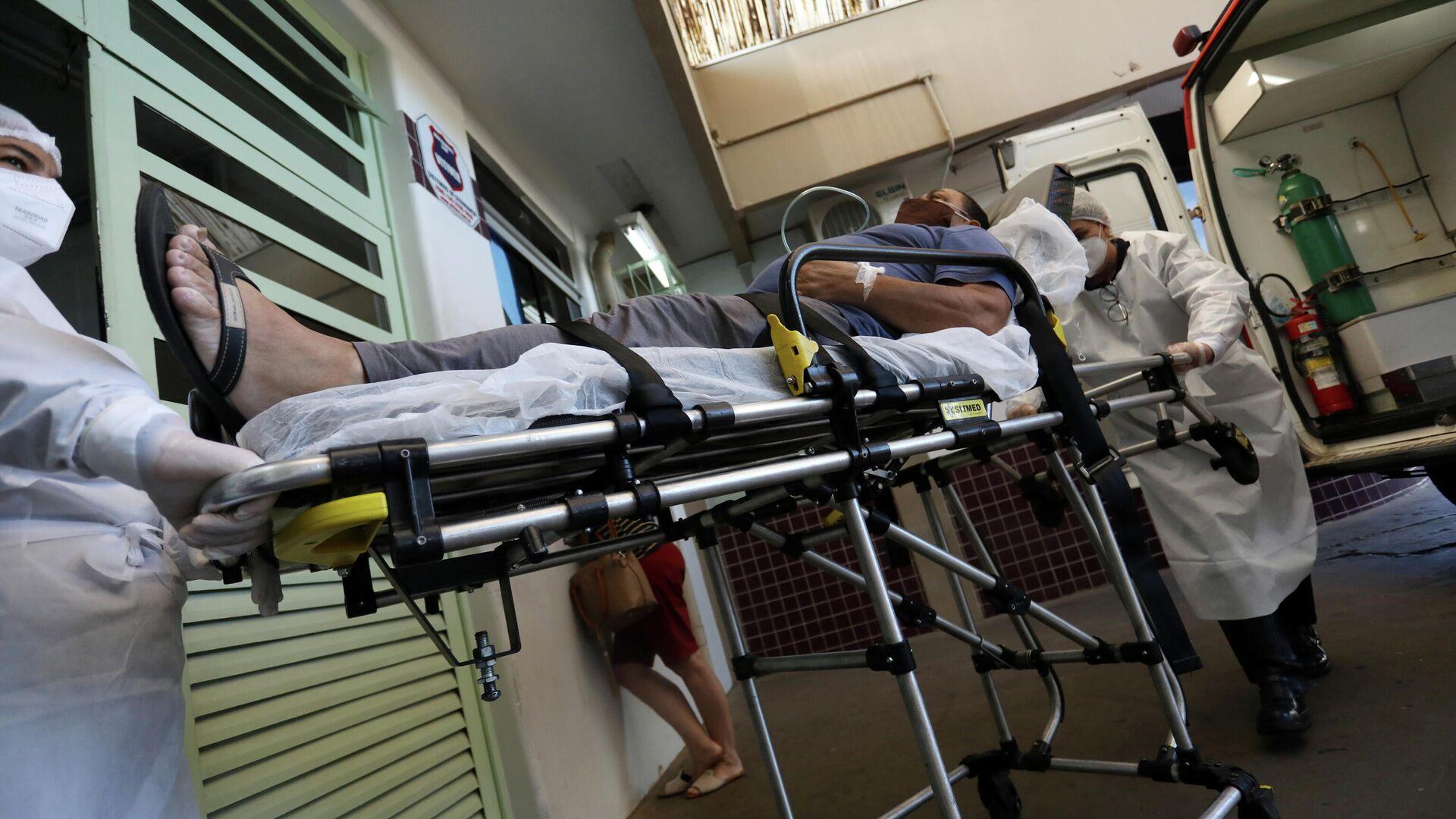 Paciente con COVID-19 en hospital en Brasil - Sputnik Mundo, 1920, 08.04.2021