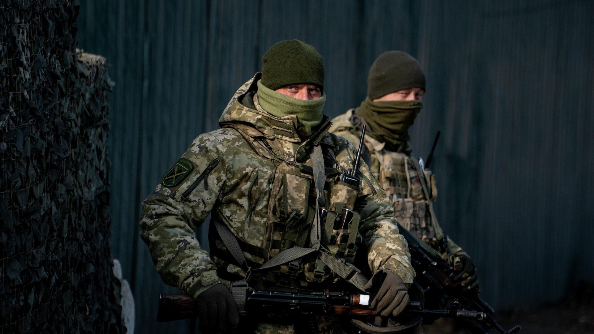 Miliatres ucranianos en la región de Lugansk (archivo) - Sputnik Mundo, 1920, 10.04.2021