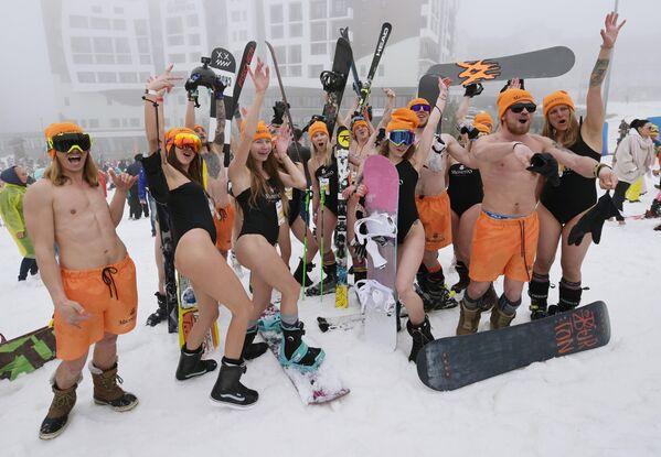 Así, las personas de todo el mundo pudieron participar de la diversión no solo in situ, sino también a través de las redes sociales desde sus casas. - Sputnik Mundo