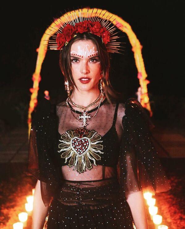 Ambrosio también es una popular actriz de cine. En particular, protagonizó la telenovela brasileña 'Verdades Secretas' e hizo un cameo en la película 'Tortugas Ninja 2: fuera de las sombras'. - Sputnik Mundo
