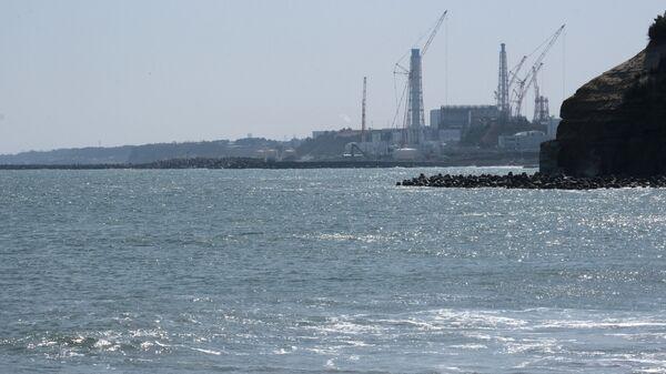 Вид на АЭС Фукусима в Японии   - Sputnik Mundo