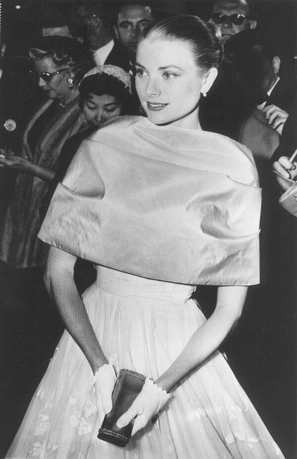 Grace Kelly en los Premios Oscar, 1956 - Sputnik Mundo