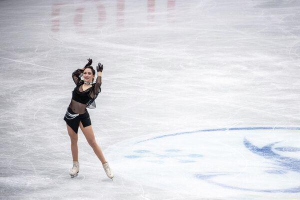 La patinadora Elizaveta Tuktamísheva representa a Rusia en el Trofeo Mundial el 15 de abril. - Sputnik Mundo