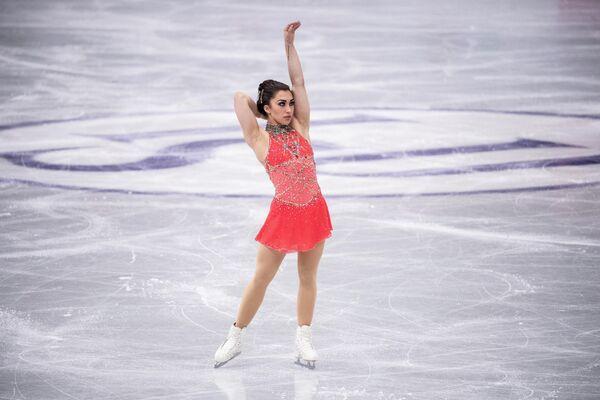 La patinadora canadiense Gabrielle Daleman durante su actuación en el torneo el 17 de abril. - Sputnik Mundo