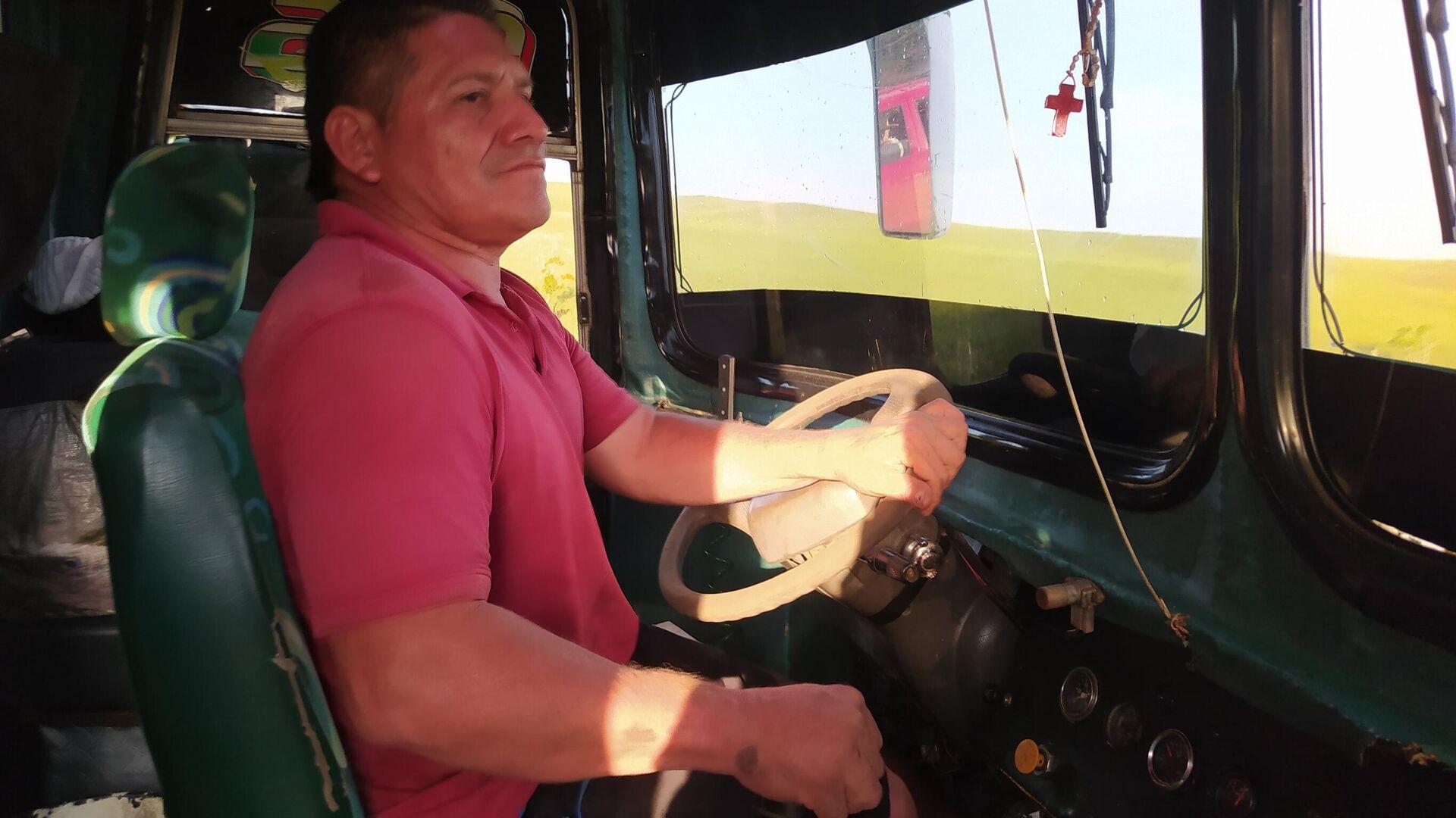 Néstor, o Don Tomate, lleva más de media vida trochando caminos en los lejanos llanos de Colombia - Sputnik Mundo, 1920, 21.04.2021
